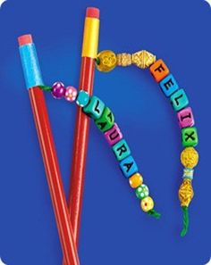 Make going back to school a little more fun with these great pencil toppers! Pipe cleaner alien toppers from Craft Jr.: Canvas pencil toppers from Momtastic Felt pencil toppers from The Long Thread… Diy And Crafts, Crafts For Kids, Arts And Crafts, Pencil Topper Crafts, Pencil Crafts, Pen Toppers, Personalized Pencils, Duck Tape Crafts, Back To School Crafts