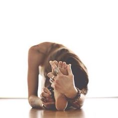 8-Minute Bedtime Yoga Sequence - must try