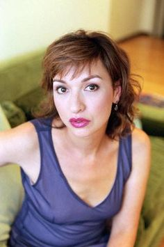 "Elizabeth Pena, 55, actress best known for her roles in the movies ""Lone Star"", ""Jacob's Ladder"", ""La Bamba"", ""Rush Hour"", and recently playing Sofia Veragra's mother in the TV show ""Modern Family"", died of cirrhosis of the liver."