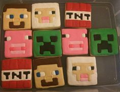 Minecraft Royal Icing Sugar Cookies by @cookiesbykatewi #sheep #creeper #tnt #pig #miecraft #cookiedecoration