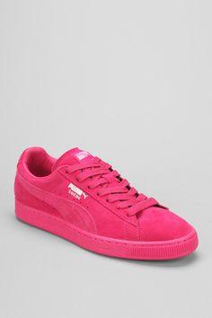 Puma Classic Mono Suede Sneaker Puma Suede Shoes, Puma Sneakers, Suede Sneakers, Pumas Shoes, Casual Sneakers, Pretty Shoes, Cute Shoes, Me Too Shoes, Outfit Sets