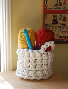 DIY: crochet rope basket. if I ever learn how to crochet.