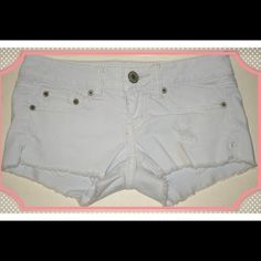 American Eagle Stretch Size 00 w25 mini Shorts Pre-owned low rise light wash shorts, cut and frayed at the hem with some man made destruction. American Eagle Outfitters Shorts