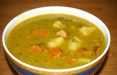 Oblíbená hrachová polévka. Polévka, která kromě hrachu obsahuje také zeleninu. Vyzkoušejte tento jednoduchý recept na hrachovou polévku.