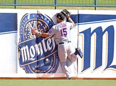 New York Mets: Tim Tebow Crashes Into Wall, Comforts Man Having Seizure (Video) | Elite Sports NY