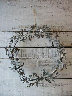 Wedding Ideas: gray-wreath-decor