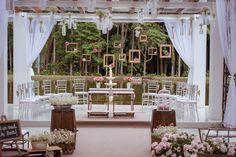 http://lapisdenoiva.com/vivi-e-rolf-um-casamento-cheio-de-detalhes/