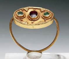 Viking Gold Ring with Garnet and Emerald Cabochons - 18 : Lot 91