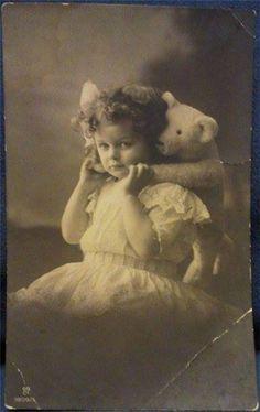 with a teddy bear. Vintage Children Photos, Vintage Pictures, Old Pictures, Vintage Images, Old Teddy Bears, Antique Teddy Bears, My Teddy Bear, Teddy Photos, Bear Photos