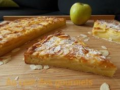 Tarte+(Moelleux)+aux+pommes+et+aux+amandes. Sweet Recipes, Cake Recipes, Dessert Recipes, Mousse Au Chocolat Torte, Apple Deserts, Good Pie, Bon Dessert, Sweet Tarts, Cupcake Cakes