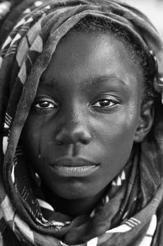 ideas african children black and white pictures Black And White Face, Black And White Pictures, Black And White Portraits, Black And White Photography, Smile Drawing, African Children, Black History Facts, Human Emotions, Creative Portraits