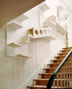 """Room Ideas Every """"Crazy Cat Lady"""" Wants To Get Her Hands On Cat room ideas for small spaces like this stairwell make the most of unused areas in your home.Cat room ideas for small spaces like this stairwell make the most of unused areas in your home. Crazy Cat Lady, Crazy Cats, Hate Cats, Cat Climbing Wall, Cat Climbing Shelves, Cat Playground, Playground Ideas, Playground Design, Modern Playground"""