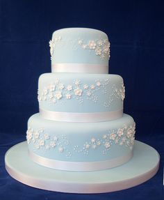 blue wedding cake by The Foxy Cake Company in the UK.