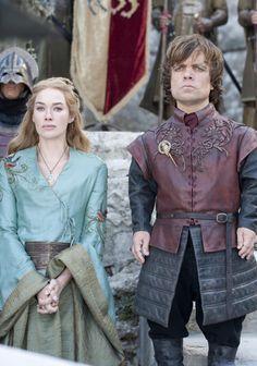 Não se pode negar que a produção de Game Of Thrones levacada detalhe à beira da perfeição e isso não seria diferente com o figurino....
