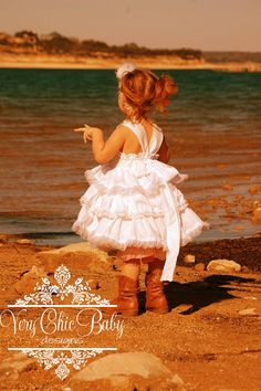 love this idea for a little girl photoshoot.