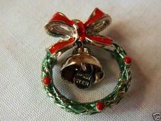 Vintage Sterling Silver Holiday Enamel Wreath Charm Pendant