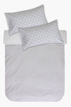 This duvet cover set has a dobby woven front with a cross design, made from high quality cotton that has a refined texture that provides extra comfort for