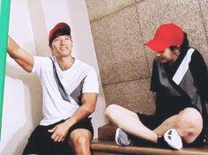 Song Ji Hyo and Kim Jong Kook, Running Man ep. 359. © on gif.
