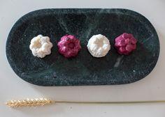Nos 3 shampoings solides disponible en version mini . Hibiscus & Violette Monoi & Coco Ortie et Shikakai Hibiscus, Mini, Budget