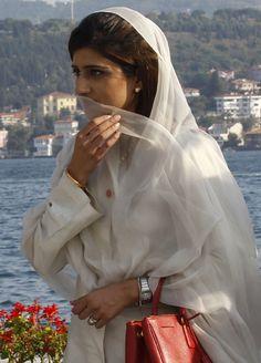 Hina+Rabbani+Khar+In+Turkish+Capital+Istanbul+Photo.JPG (431×600)