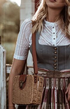 dirndl Inspiration ludwig Therese Gottseidank Oktoberfest Munich Source by verabluemel Ludwig Therese, Kids Fashion, Fashion Outfits, Fashion Trends, Fashion Shoes, Pretty Outfits, Cute Outfits, Looks Hippie, Oktoberfest Outfit