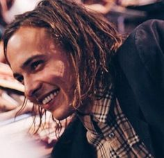 Lucas Martin [Frank Dillane] sells coffee (bless his soul) at the market