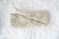 Vintage Knit Tie Headband Pattern Knit Headband 3 Always aspired to discover ways to knit, but unclear where to begin? This kind of Overall Beginner Knitt. Knitting Blogs, Loom Knitting, Free Knitting, Knitting Projects, Knitting Patterns, Crochet Patterns, Knitting Ideas, Crochet Projects, Crochet Headband Pattern