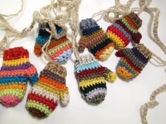 Free shipping Funky striped mitten garland (5 ft) / Rainbow garland / Funky rustic mitt banner / Christmas Garland bunting - pinned by pin4etsy.com