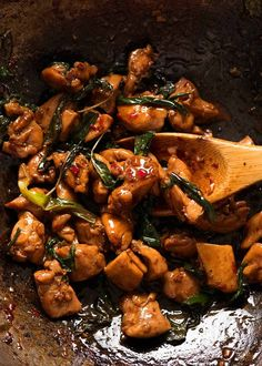 Close up of Thai Basil Chicken in a wok, fresh off the stove ready to be served Thai Chicken Stir Fry, Thai Chicken Recipes, Wok Recipes, Thai Basil Chicken, Dinner Recipes, Cooking Recipes, Healthy Recipes, Thai Basil Recipes, Keto Chicken