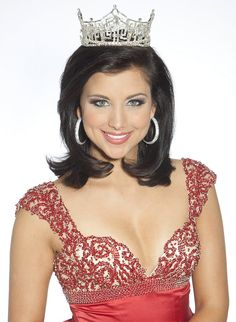 Miss America 2012, Laura Kaeppler (Wisconsin) - beautiful women come from Wisconsin! ----thank goodness I'm from Wisconsin;) lol