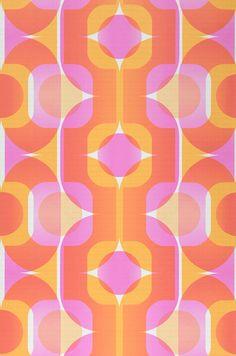 Sinon 70s wallpaper : layered geometric