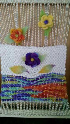 Colchas Quilt, Quilts, Fiber Art, Loom, Diy And Crafts, Crochet Necklace, Mandala, Weaving, Textiles
