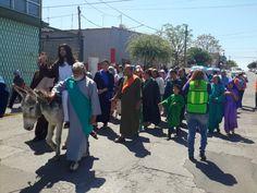 Inicia Parroquia Cristo Rey celebración de Domingo de Ramos con entrada viviente a Jerusalén | El Puntero