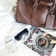 """Instagram의 Jamie Walsh님: """"A few #weekendgetaway essentials; a great bag, chic sunnies and another new @stil_mind photo case// I'm finally back from 3 weeks of travel and ready for some holiday festivities! #Stilmind #2015stilphotowall www.liketk.it/222MA"""""""