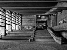 Treppen des Brutalismus von der Universität Regensburg, der Universität Nürnberg-Erlangen und dem Scharrer-Gymnasium in Nürnberg.