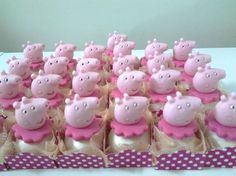 Peppa Pig Princesa, Bolo Da Peppa Pig, Peppa Pig Birthday Cake, Aniversario Peppa Pig, Royal Icing Piping, Pig Cupcakes, Pig Party, Childrens Party, Cake Pops