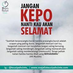 Kepo terhadap al quran boleh yaa Quotes Rindu, Quran Quotes, Daily Quotes, Best Quotes, Life Quotes, Hadith Quotes, Reminder Quotes, Self Reminder, Muslim Quotes