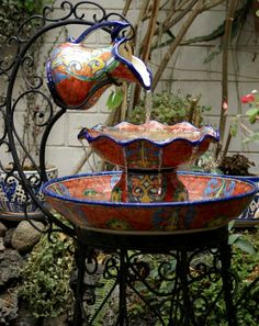 How to Recycle: DIY Garden Water Fountains Use this idea. only change to enameled pitcher and enameled bowls and pans. Garden Water Fountains, Water Garden, Fountain Garden, Bird Fountain, Fountain Ideas, Diy Garden, Dream Garden, Garden Ideas, Garden Tips