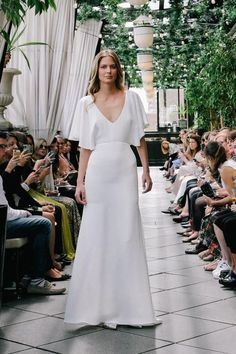 Wedding dress from the Sarah Seven Spring 2016 Bridal Collection. Me gusta q sea medio hippie Minimal Wedding Dress, Boho Wedding Gown, New Wedding Dresses, Casual Wedding, Bridesmaid Dresses, Trendy Wedding, Wedding Ideias, The Dress, Bridal Style