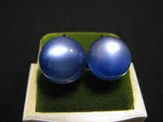 Vintage Round Cobalt Blue Thermoset Moonglow by JewelryStash