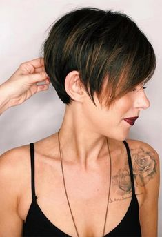 61 Extra-Cool Pixie Haircuts for Women: Long & Short Pixie Hairstyles Haircuts For Fine Hair, Cute Hairstyles For Short Hair, Short Hair Cuts For Women, Pixie Hairstyles, Short Hair Styles, Long Pixie Cut With Bangs, Long Pixie Hair, Pixie Styles, Curly Hair