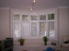Bow window blinds finding similarities between shutters and life astawerks bow horizontal blinds for large windows, Bow Window Blinds, astounding Blinds On Windows Inspiring ideas Blinds For Windows Living Rooms, Bay Window Living Room, My Living Room, Small Living, Bow Window Curtains, Interior Window Shutters, Bow Window Treatments, Window Coverings, California Shutters