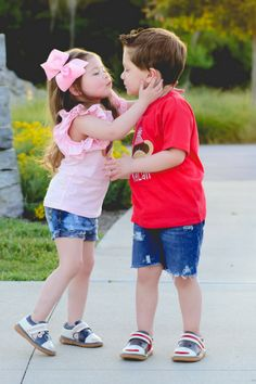 Trendy baby kids to get Cute Kids Pics, Kids In Love, Cute Baby Girl Pictures, Baby Girl Images, Pretty Kids, Cute Baby Couple, Baby Love, Cute Babies, Cute Kids Photography