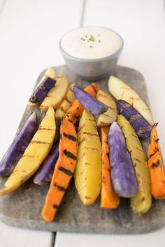 Grilled potato wedges with curry aioli