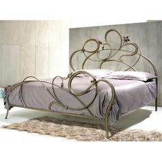 Doppelbett aus Eisen in der Farbe Braun mit Antik-Gold-Effekt