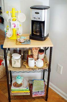 Diy apartment decor smart cheap ways to make your apartment look nice home decor apartment kitchen . Small Apartment Decorating, Rental Decorating, Cheap Home Decor, Diy Apartments, Home Decor, Apartment Chic, Home Diy, Dorm Room, Apartment Kitchen