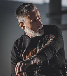 "⚔ 𝑩𝒆𝒂𝒓𝒅 𝑴𝒐𝒏𝒔𝒕𝒆𝒓𝒔 ⚔ on Instagram: ""I am sexy and I grow it. 👍🔥 _ _ _ Follow @beard__monsters & @beard__gods for the best beards gallery on IG. ⚔ #beardmonsters #beardgods 📸…"""