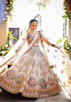 Wedding Lehenga Designs, Indian Wedding Bride, Lehenga Wedding, Designer Bridal Lehenga, Indian Bridal Lehenga, Indian Bridal Outfits, Indian Bridal Fashion, Indian Bridal Wear, Bridal Dresses