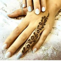 Explore latest Mehndi Designs images in 2019 on Happy Shappy. Mehendi design is also known as the heena design or henna patterns worldwide. We are here with the best mehndi designs images from worldwide. Henna Tattoo Designs Simple, Finger Henna Designs, Henna Art Designs, Mehndi Designs For Girls, Mehndi Designs For Beginners, Mehndi Designs For Fingers, Latest Mehndi Designs, Fingers Design, Hena Designs