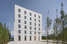 baumschlager eberle: 2226: this building has no mechanical systems / passively heated and cooled